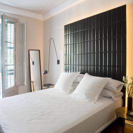 The Conica Deluxe B&B hotel room in Barcelona center